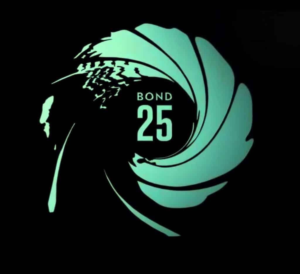 Un réalisateur qui se retire, Daniel Craig qui se blesse... Bond 25 connait un début difficile!