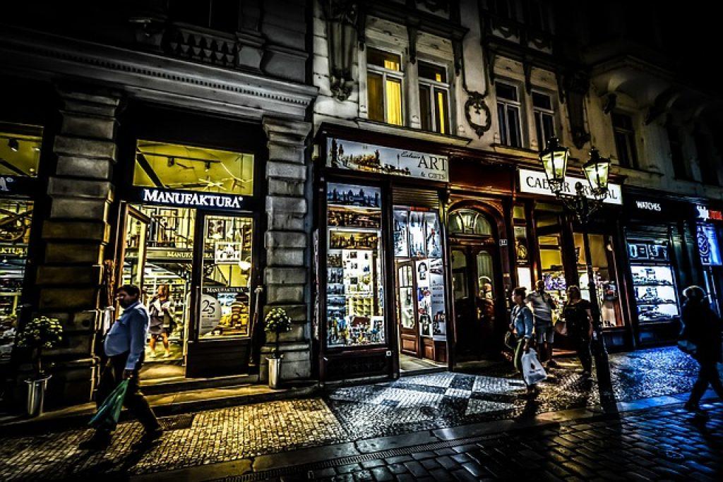 Dénicher une enseigne lumineuse Paris s'avère être une étape importante pouvant très vite devenir un casse-tête