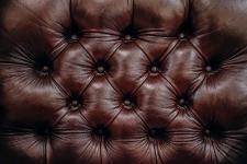 Comment nettoyer un canapé cuir?
